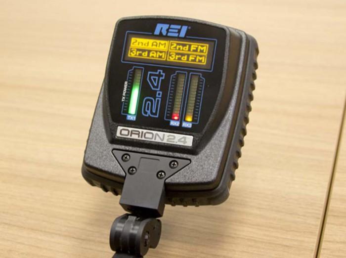 Звуковая индикация принимаемого сигнала так же очень важна при поиске. Можно вывести на встроенный динамик или наушники сигнал от 2-й или 3-й гармоники с АМ и FM демодуляцией